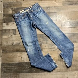 AG ADRIANO GOLDSCHMIED THE KISS SLIM STRAIGHT JEAN
